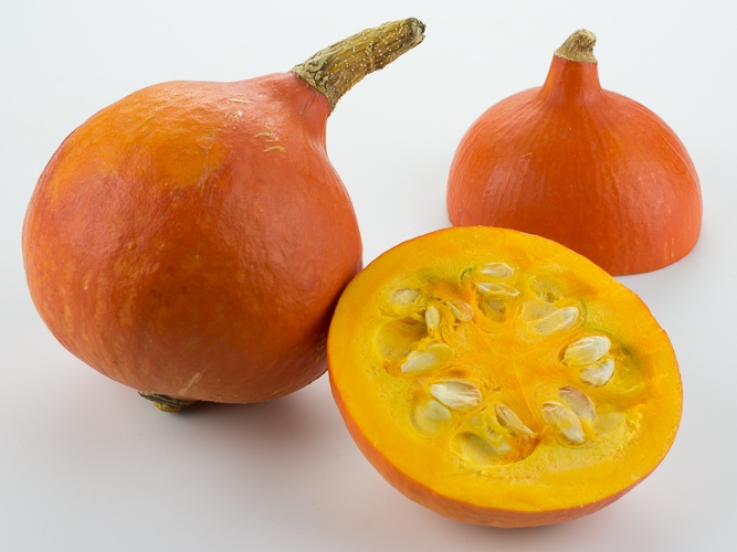 how to cut red kuri squash